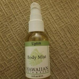 NEW HAWAIIAN AROMA BATH & BODY UPLIFT BODY MIST